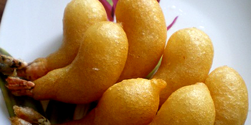 Banh tom chien - shrimp fritters