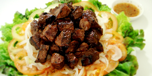 Lok lak – beef and lemon sauce